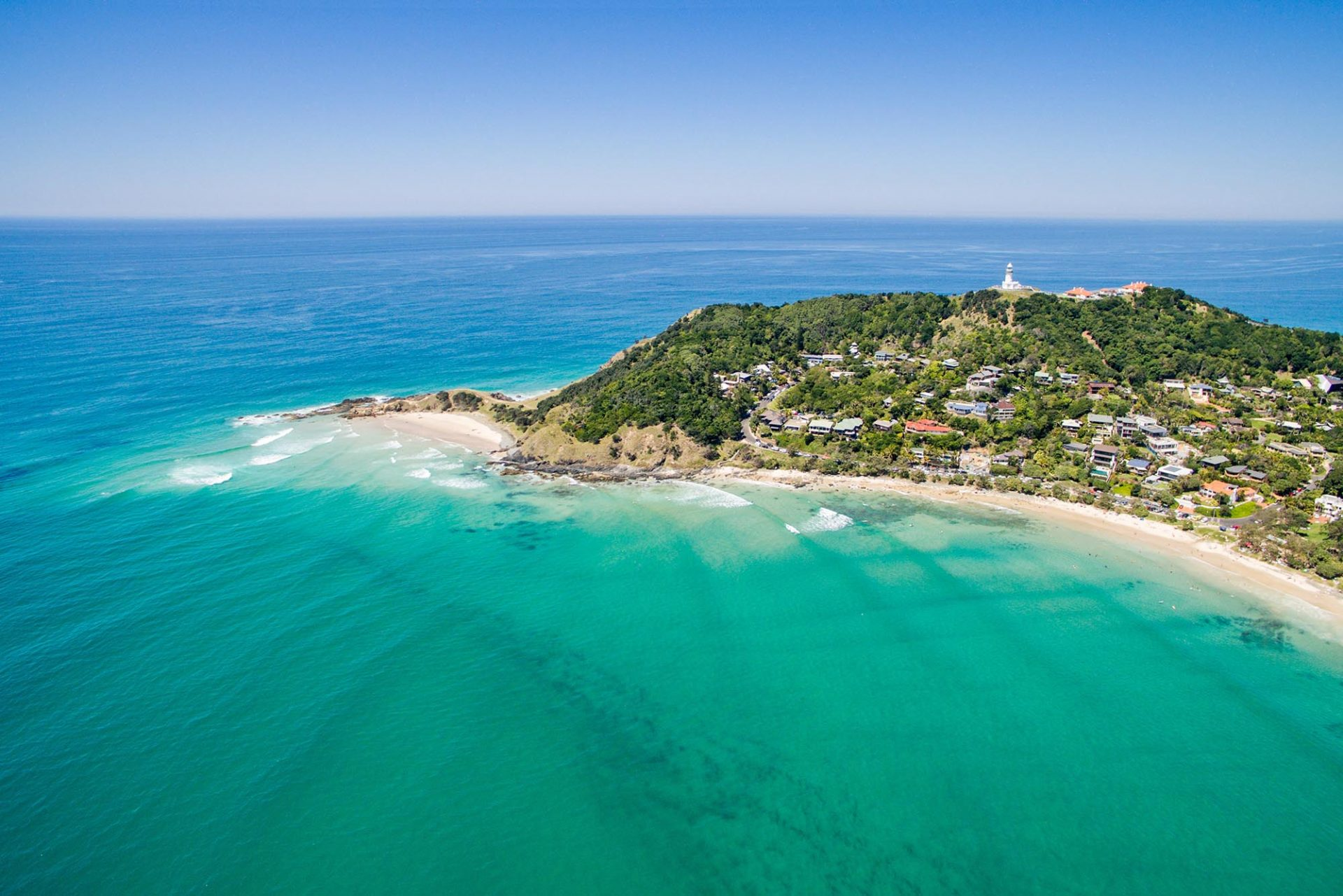 Byron Bay lighthouse and beach 1920x1281 4