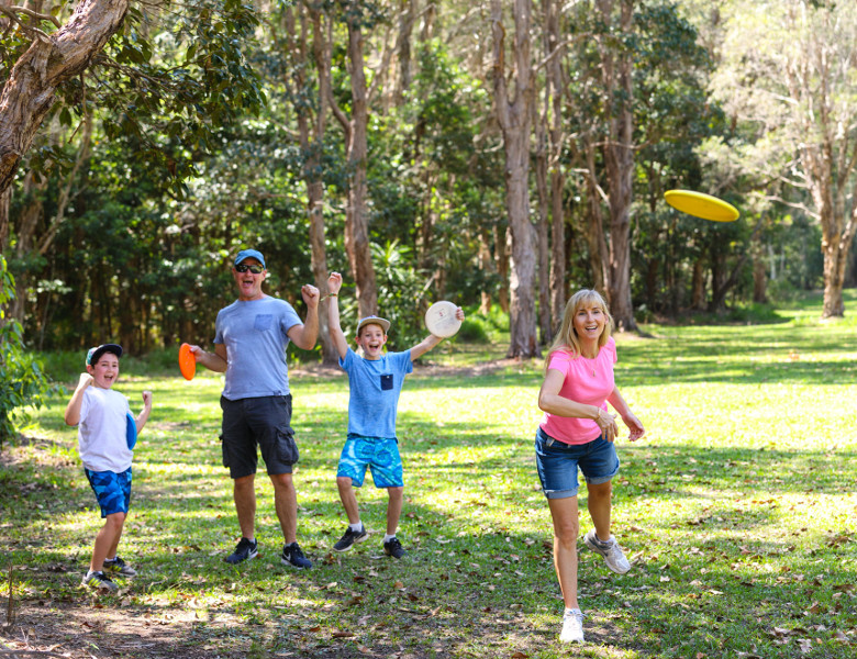 Family playing Disc Golf at Ballina